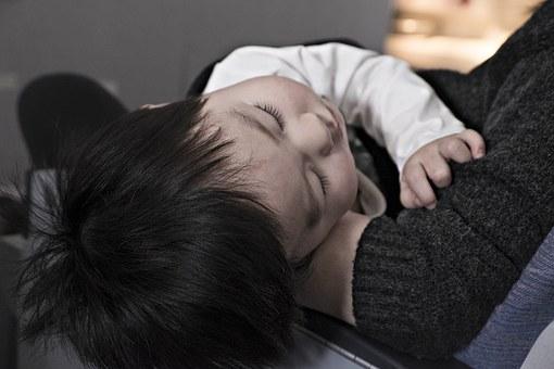niño propenso a contraer varicela
